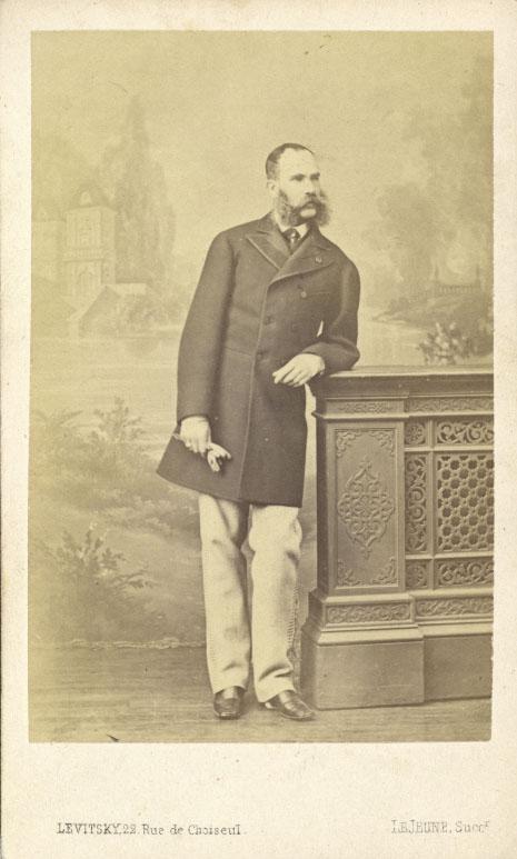 In Zivil, anlässlich seines Besuches am französischen Kaiserhof.